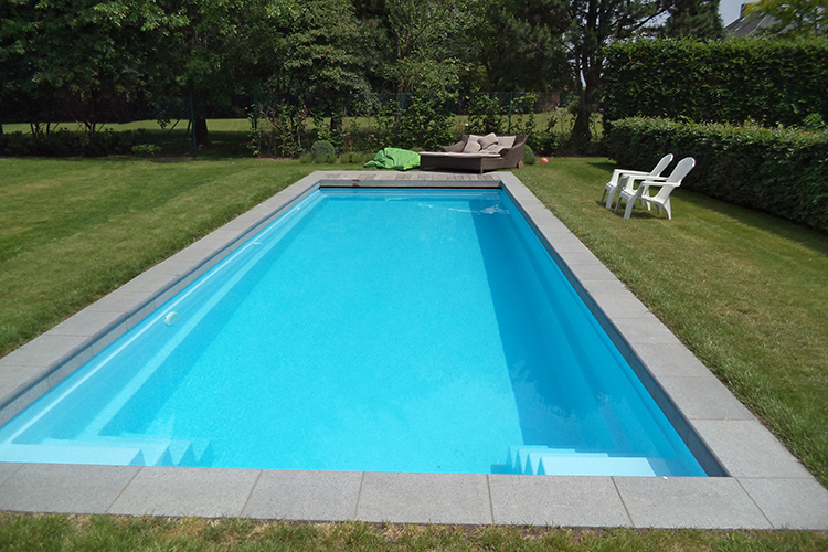 Piscine coque polyester mod le nimes dimensions 11 10x3 for Piscine 50m toulouse