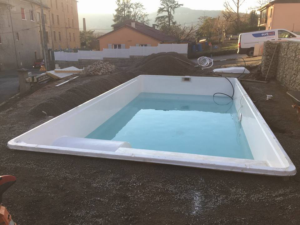 installation d une piscine mod le valence sur rh ne en france blog decopiscine piscines. Black Bedroom Furniture Sets. Home Design Ideas