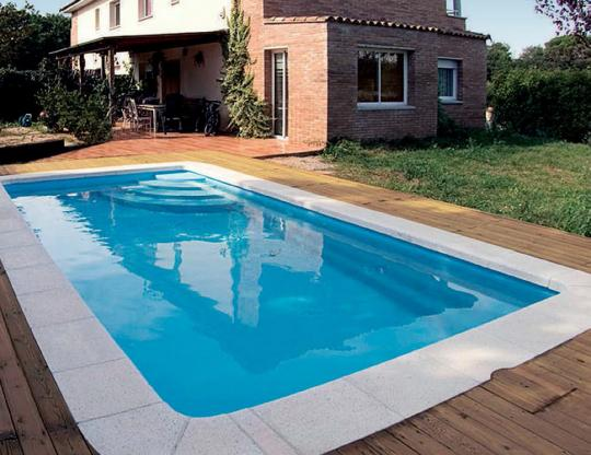 Piscine coque polyester mod le strasbourg dimensions for Piscine coque polyester avantages