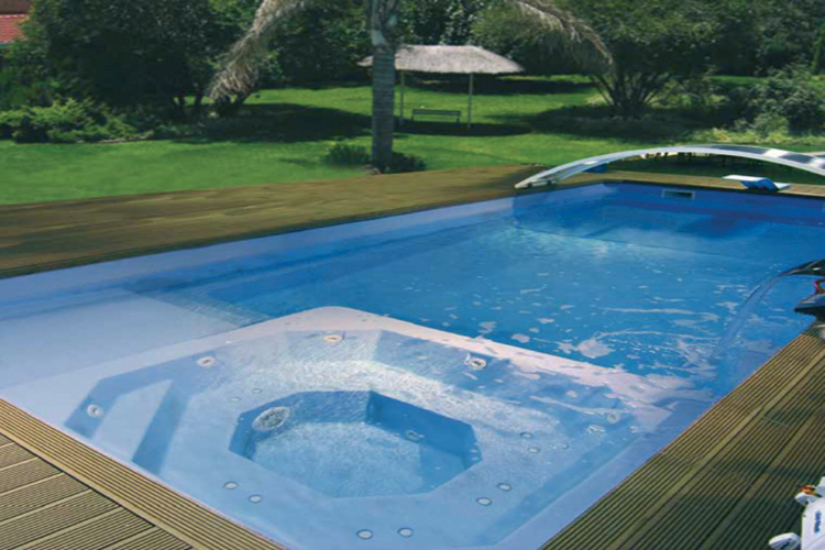 Piscine coque polyester mod le biarritz dimensions 9 for Piscine coque polyester avantages