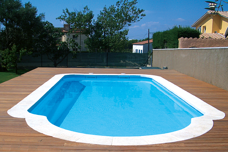 Piscine coque polyester mod le cahors dimensions 9 20x4 for Avantage service piscine