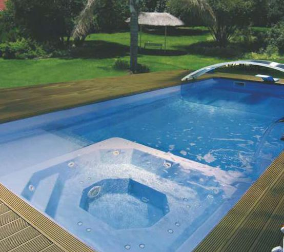 Piscine coque polyester balneo mod le toulon for Dimension piscine coque