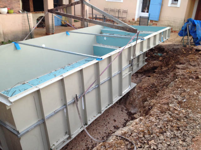 Faire piscine container st96 montrealeast for Maison container aquitaine